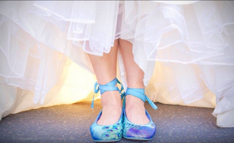 lace up painted shoes | via 31 Best Handmade Wedding Shoes http://emmalinebride.com/bride/handmade-wedding-shoes/