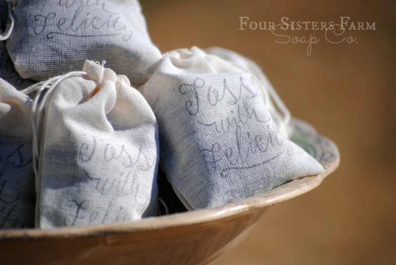 lavender toss bags wedding ceremony