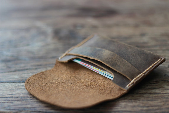 Wedding Gift Ideas for Groomsmen (leather wallet case: joojoobs)