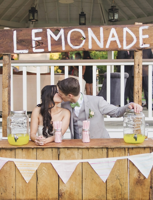 lemonade-stand-wedding