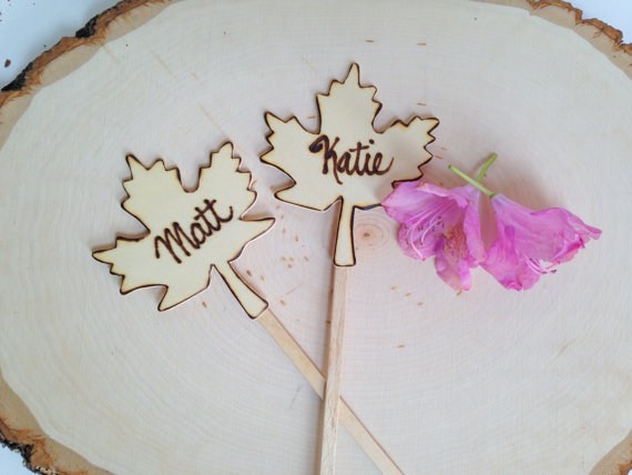 maple leaf cake topper set | by Petite25 | via http://emmalinebride.com/fall/leaf-cake-topper-fall-weddings/