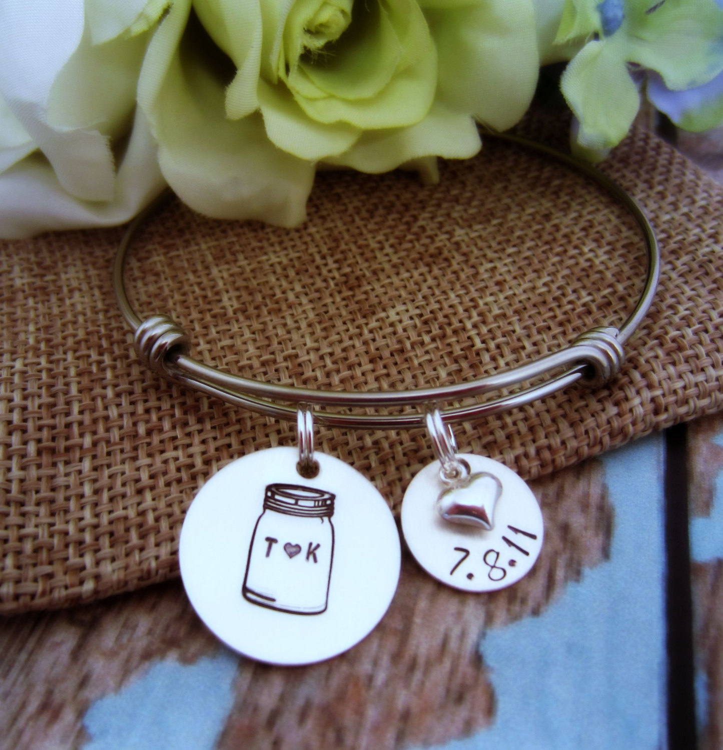 mason jar jewelry: bracelet with wedding date