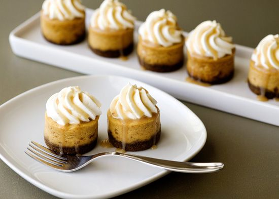 mini pumpkin cheesecake bites - 8 Amazing Cheesecake Wedding Cakes & Ideas via EmmalineBride.com