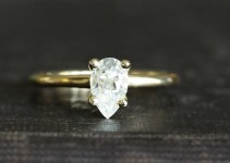 pear moissanite ring