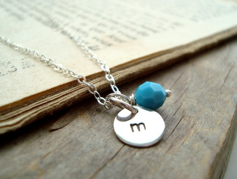 personalized silver initial charm birthstone necklace | birthstone jewelry gifts | http://emmalinebride.com/gifts/birthstone-jewelry-gifts/