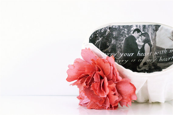 photo inside clutch purse with quote