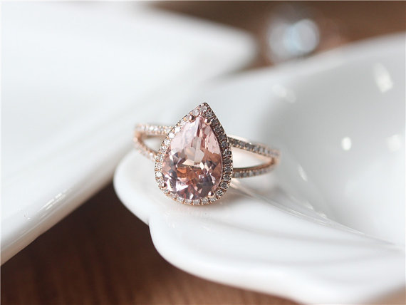 rose gold pear cut ring | Best Engagement Rings Etsy | via http://emmalinebride.com/jewelry/40-best-handmade-rings-ever/ ‎