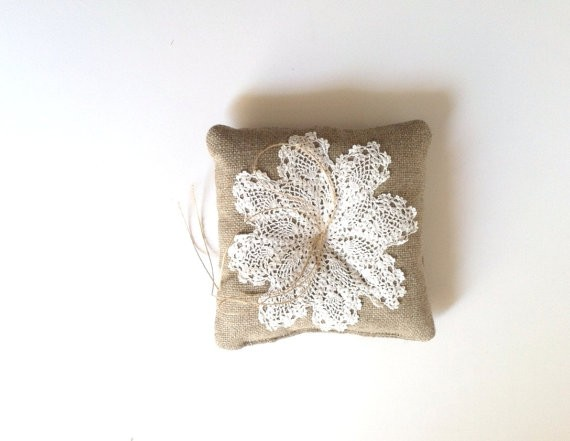 doily ring pillow made of burlap | via Rustic Ring Pillows http://emmalinebride.com/ceremony/rustic-ring-pillows/