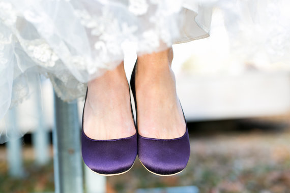 Wedding Shoe Tips - purple wedding flats (by Walkin On Air)