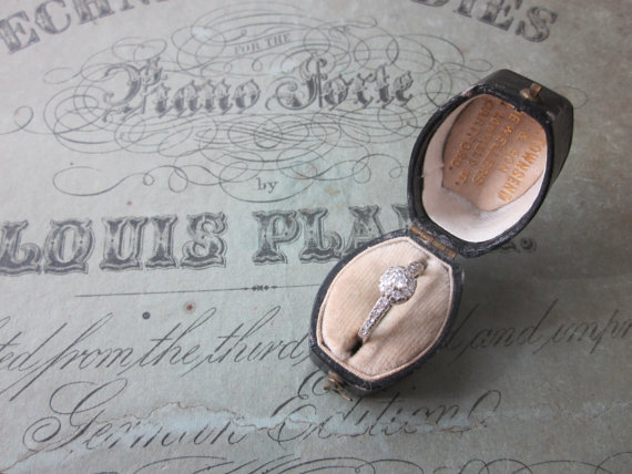 8 Ideas for Something Old, New, Borrowed, Blue (via EmmalineBride.com) - antique ring box via housewarming