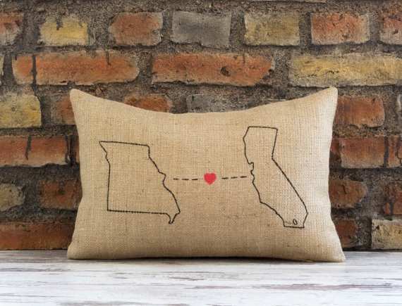 state ring pillow via 25 State Ideas That Will Make Your Big Day More Awesome