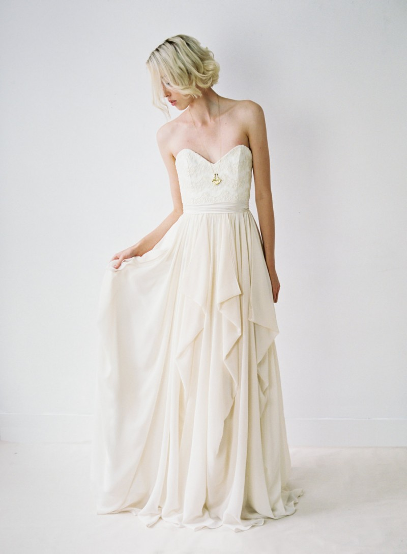 Romantic Chiffon Wedding Gown | http://emmalinebride.com/bride/romantic-chiffon-wedding-gown