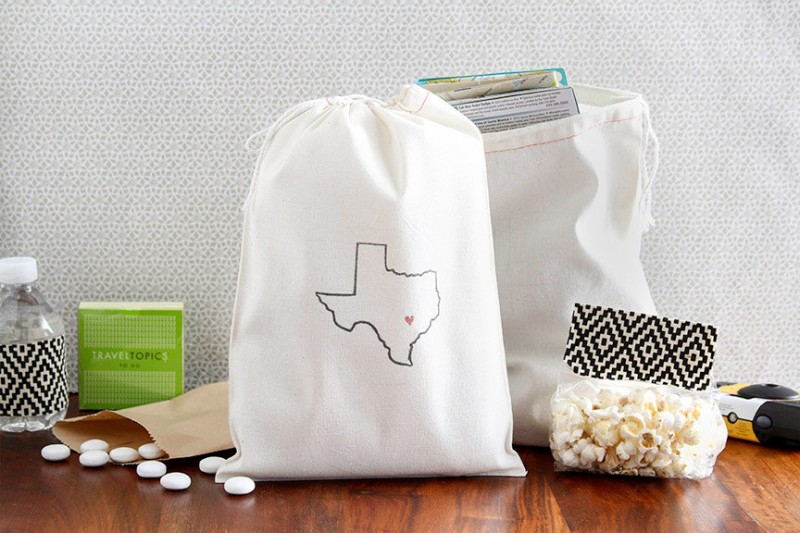 texas welcome bags via 25 State Ideas That Will Make Your Big Day More Awesome