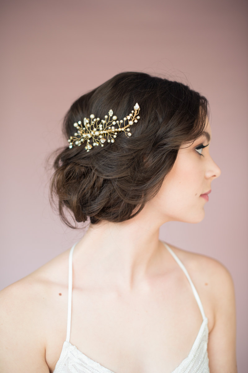 twig hair accessory by blair nadeau millinery, photo: whitney heard | twigs branches nature ideas weddings | http://wp.me/p1g0if-x0y