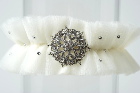vintage brooches wedding garter