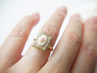 gold vintage locket ring
