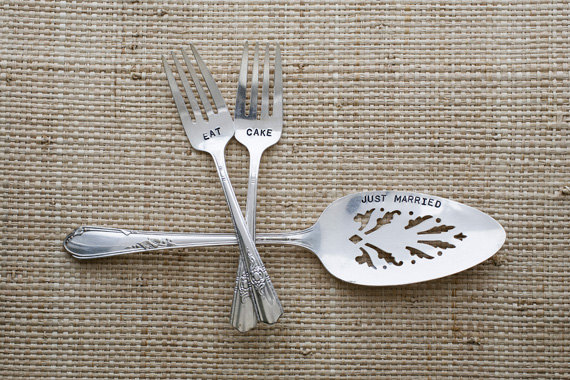 reusable wedding decorations - vintage personalized cake server
