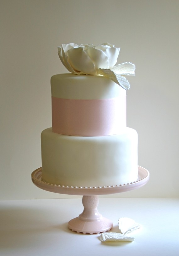 wedding-cake-edible-sugar-rose-topper