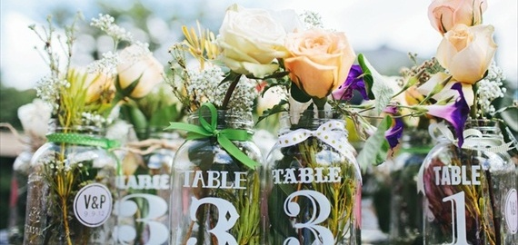 wedding table numbers using labels