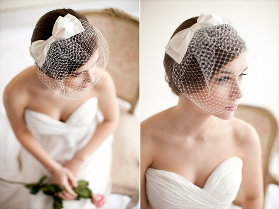 Veil Alternatives - 12 Ways to Wear 'Em (via EmmalineBride.com, veil alternative by Melinda Rose Design, photo by Atlas & Elia Photography) #handmade #wedding #veil