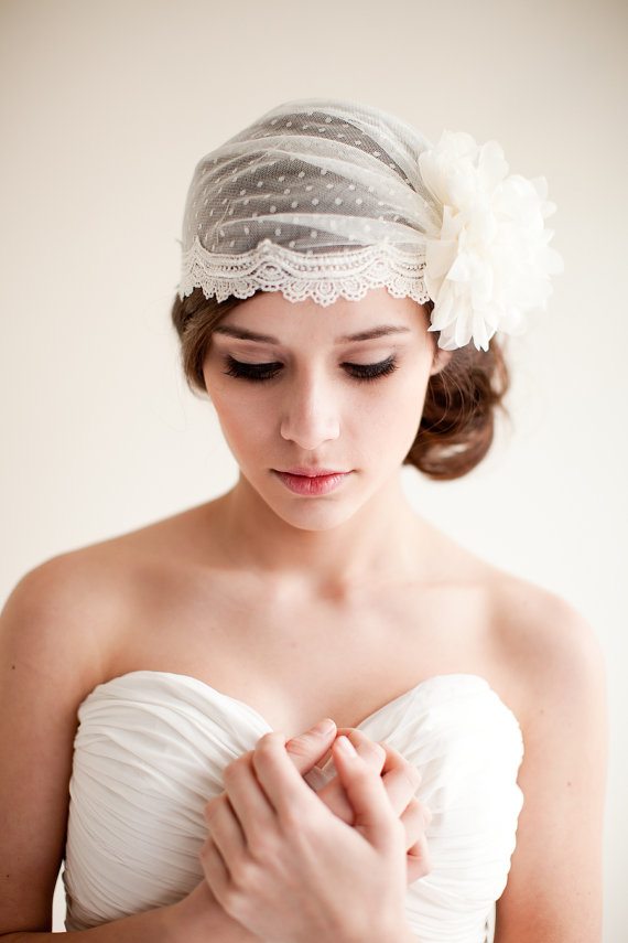 Bridal Veils With Flowers Provide a Beautiful Finishing Touch