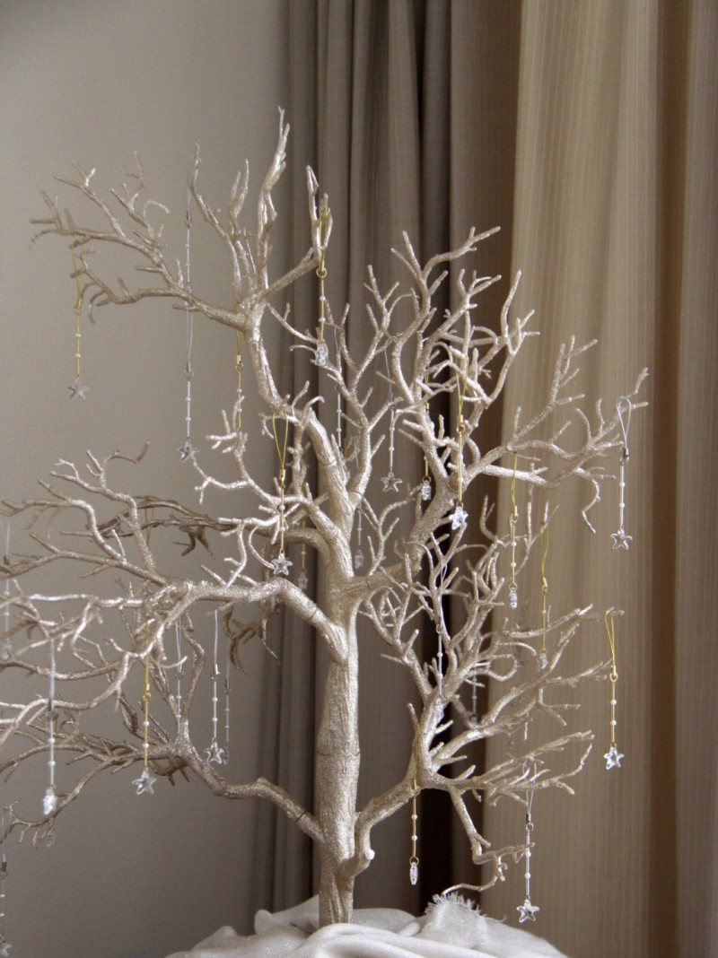 Wedding Wishing Trees | http://emmalinebride.com/decor/wedding-wishing-tree/