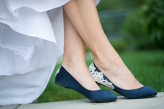 Wedding Shoe Tips - navy wedding flats (by Walkin On Air)