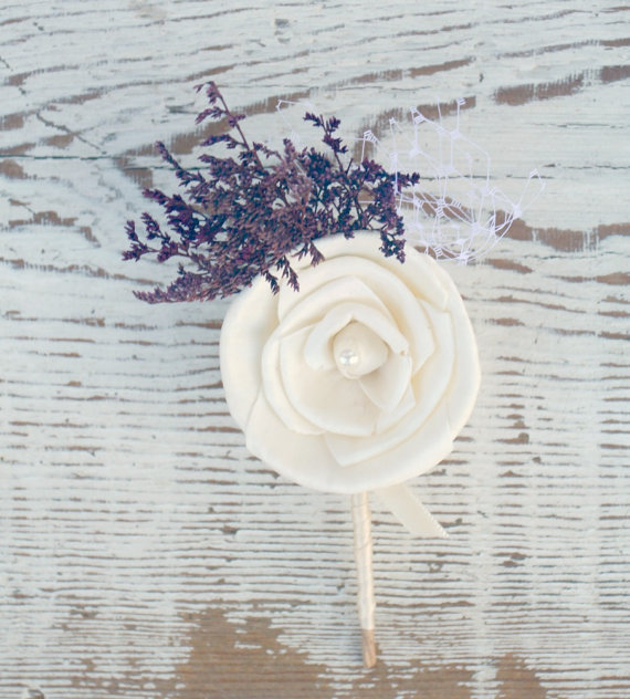 wildflower boutonniere | via What Kind of Boutonniere to Pick (and Why) http://emmalinebride.com/groom/what-kind-of-boutonniere/