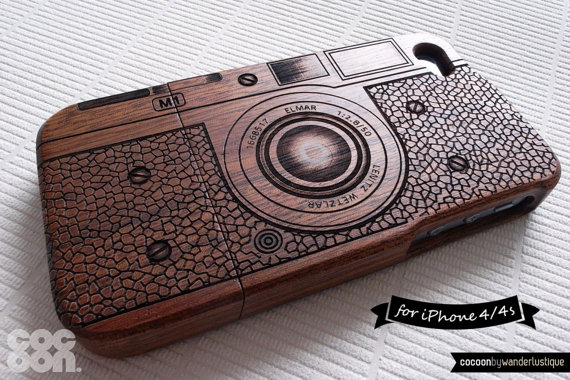 20 Valentines Day Gift Ideas - wood iphone case